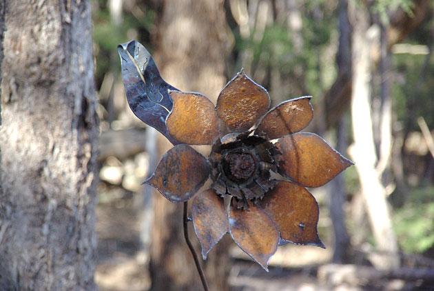 Recycled flower garden art, Tread Sculptures, Bend of Islands, Melbourne